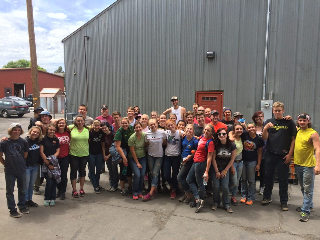 youth group build volunteer involved